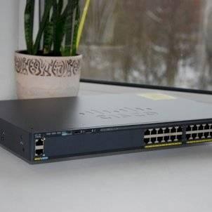 """""""Что такое коммутатор?"""" на примере WS-C2960X-24TS-LL от Cisco"""