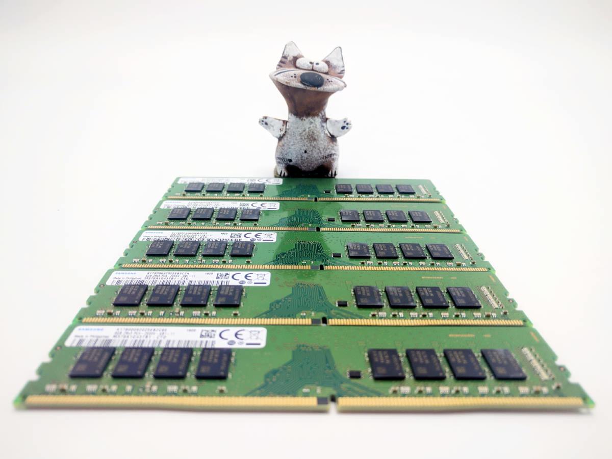 Оперативная память M378A1G43TB1-CTD